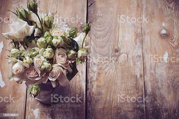 Bouquet of roses in metal pot picture id185538802?b=1&k=6&m=185538802&s=612x612&h=o3j0jwlhuyzemqktrw46fhdef6 07tmywqtpdq0bhxi=