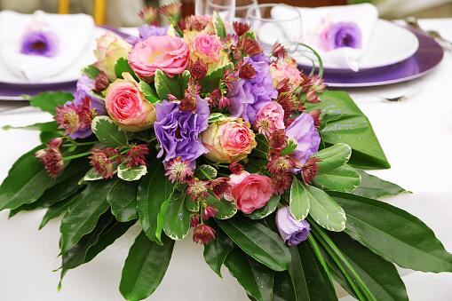 155315629 istock photo Bouquet pranzo degli sposi 1076923954