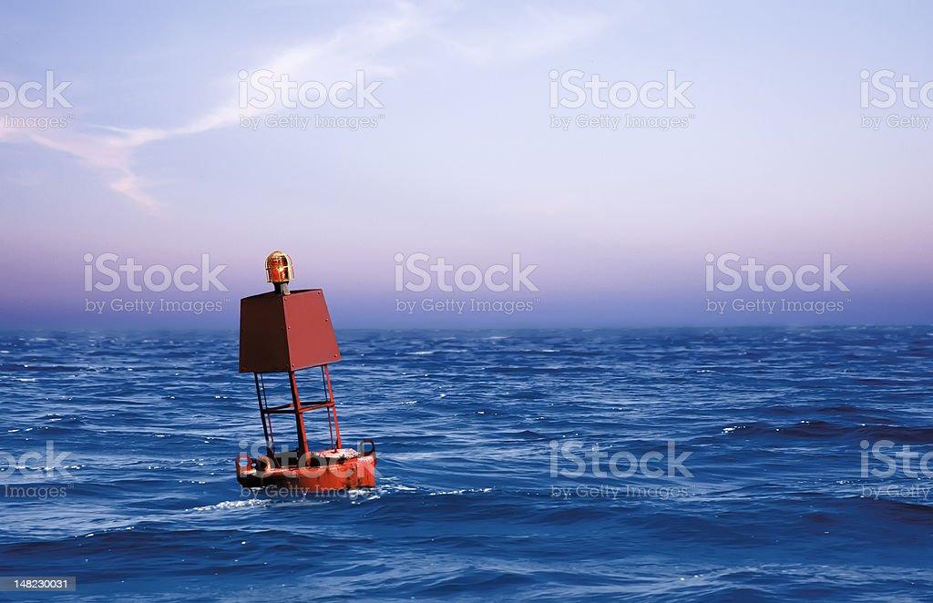 Bouy no mar - foto de acervo