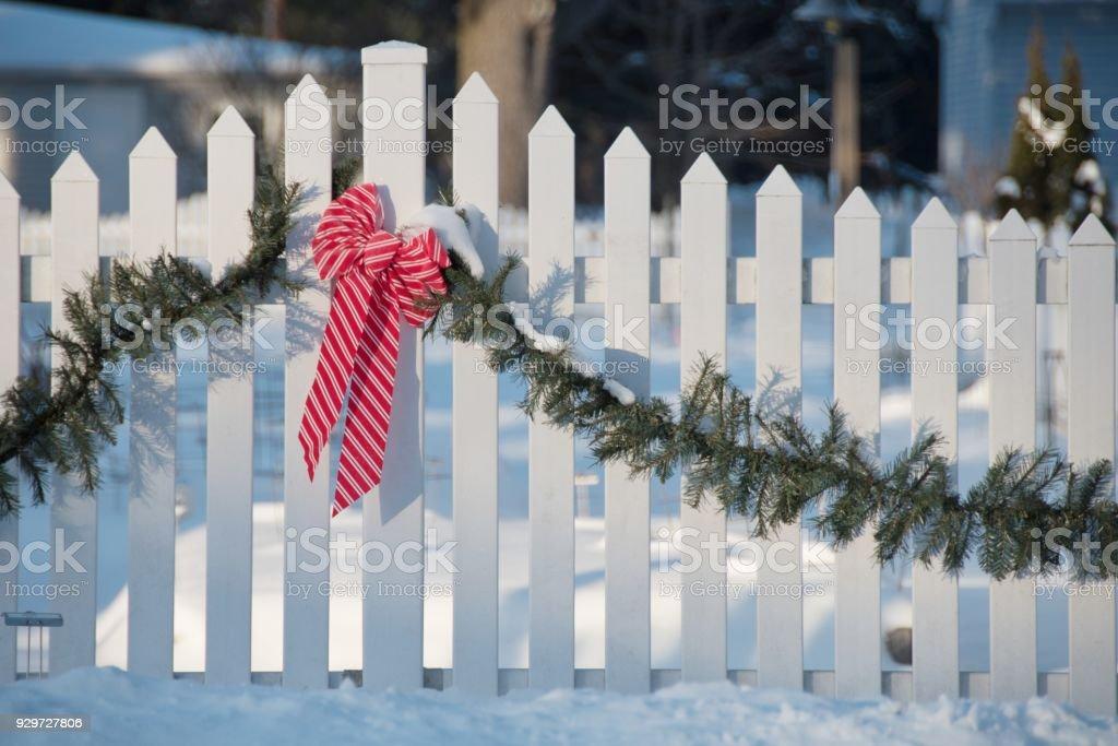 Schleife auf Zaun – Foto