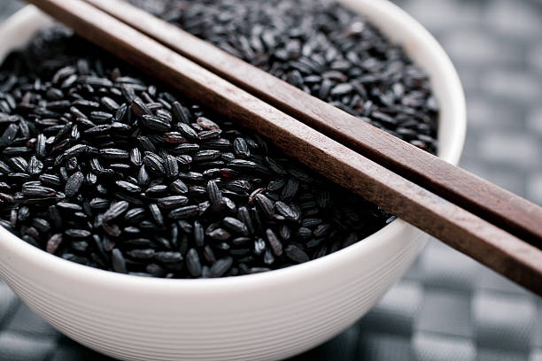 puchar z czarny ryż venus - venus zdjęcia i obrazy z banku zdjęć