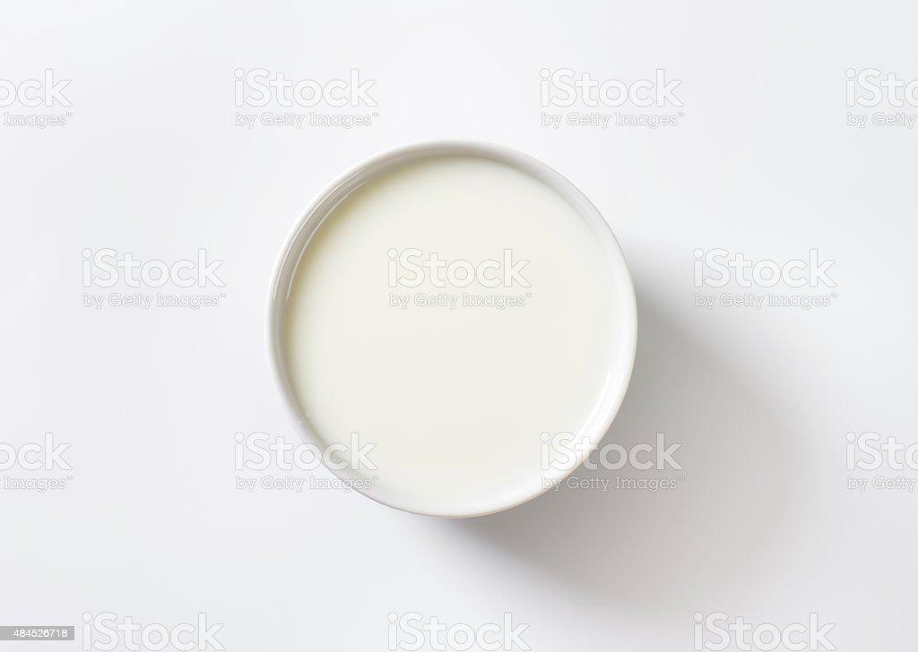 Corbeille de fruits et lait - Photo