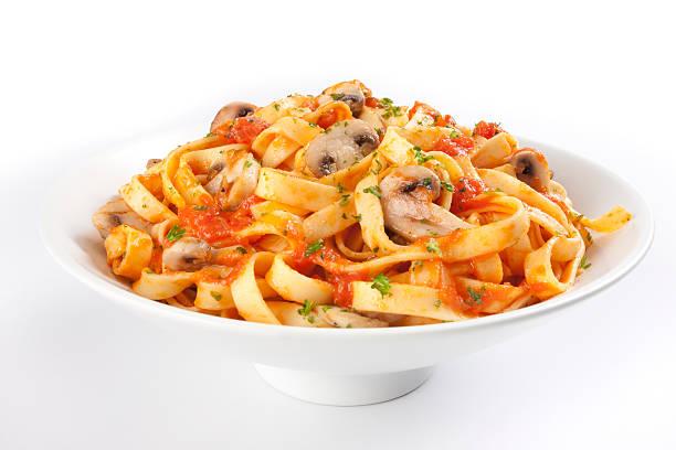 pasta - spaghetti tomatensauce stock-fotos und bilder