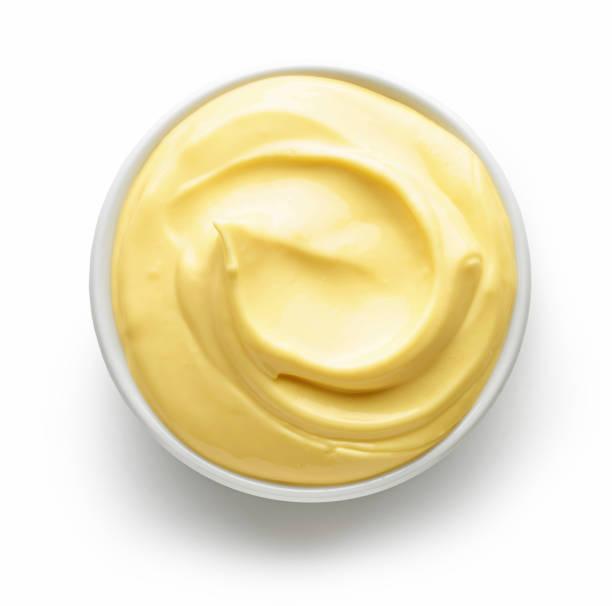 schüssel mit mayonnaise - sauce hollandaise stock-fotos und bilder
