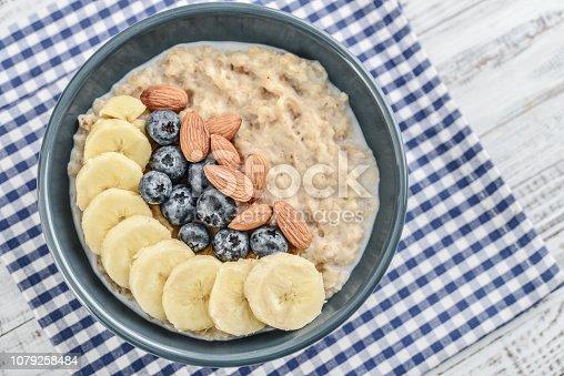 825171518istockphoto Bowl of oatmeal porridge 1079258484
