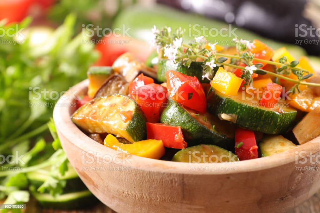 bowl of roasted vegetable and thyme - Royalty-free Bell Pepper Stock Photo
