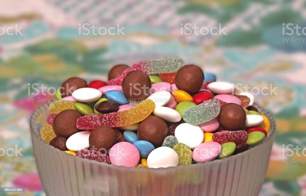 bol avec bonbons - Photo de Aliment libre de droits