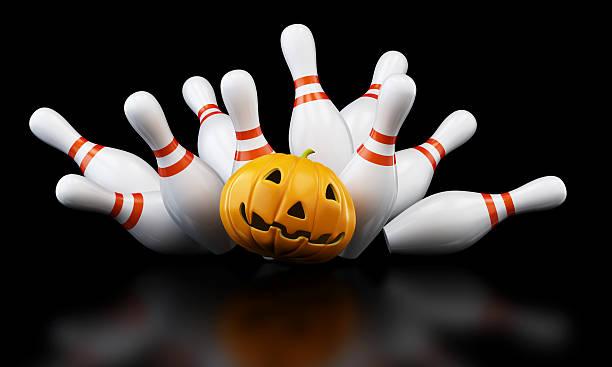 bowling strike halloween. 3d illustration - bowlen stockfoto's en -beelden