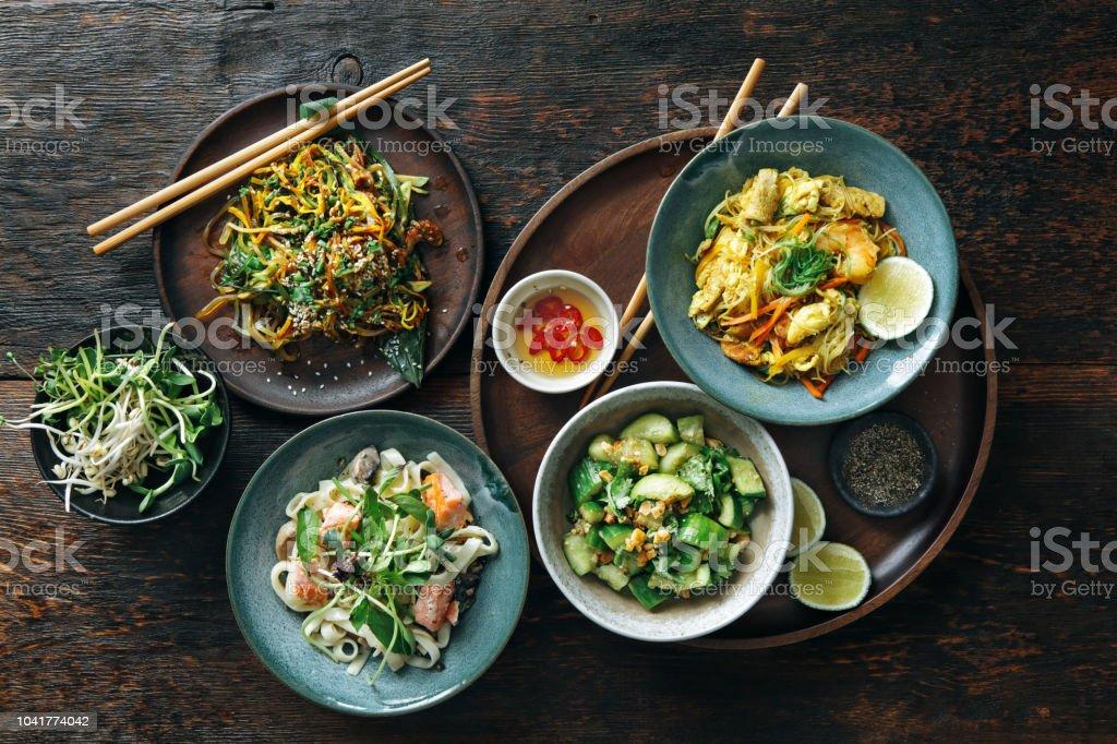 Kommen met Japans eten - Royalty-free Afhaal eten Stockfoto