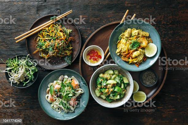 Kommen Met Japans Eten Stockfoto en meer beelden van Afhaal eten
