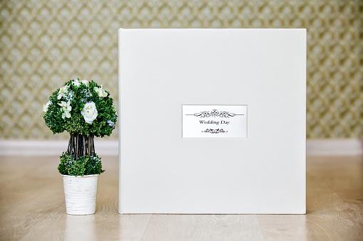 Box for wedding photo album or book
