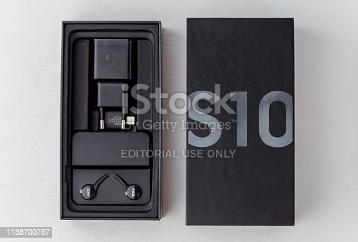 istock Box from Samsung Galaxy S10 close-up. 1138700757