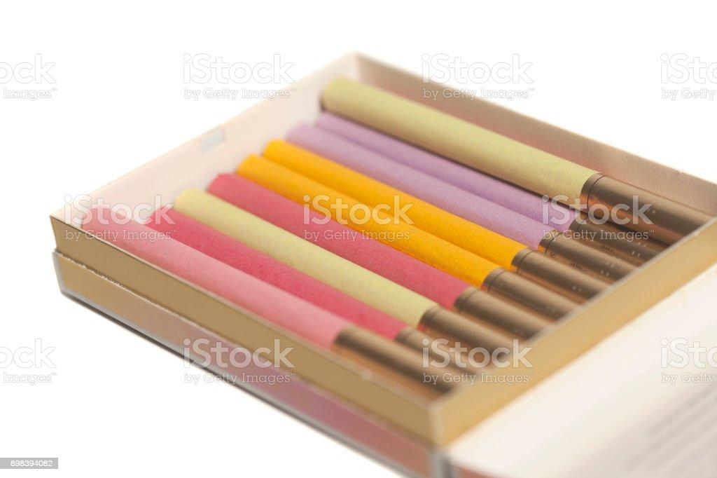 Fotografía de Caja De Cigarrillos De Colores y más banco de imágenes ...