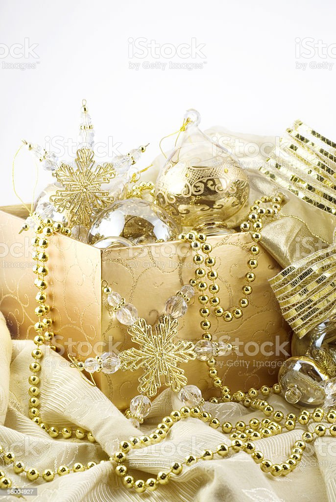 Box of Gold Christmas Decorations royalty free stockfoto