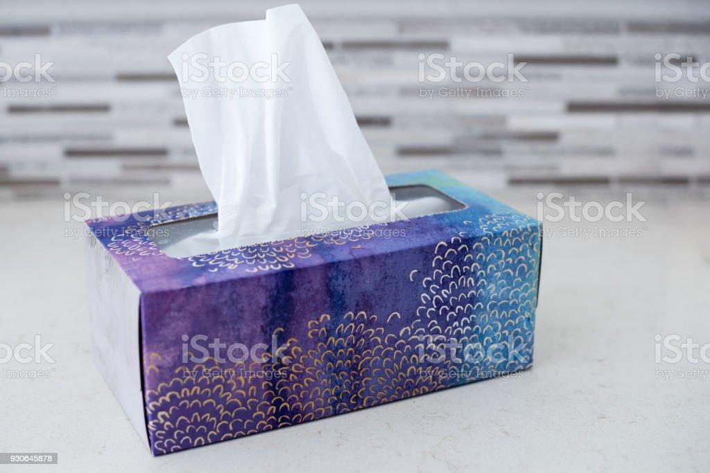 Caja de tejidos - foto de stock