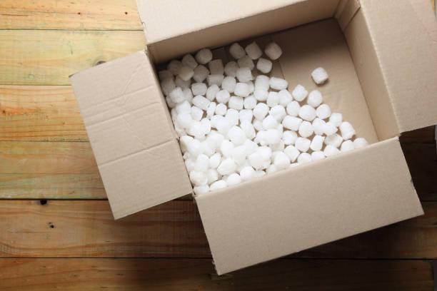 box with styrofoam - indumento sportivo protettivo foto e immagini stock