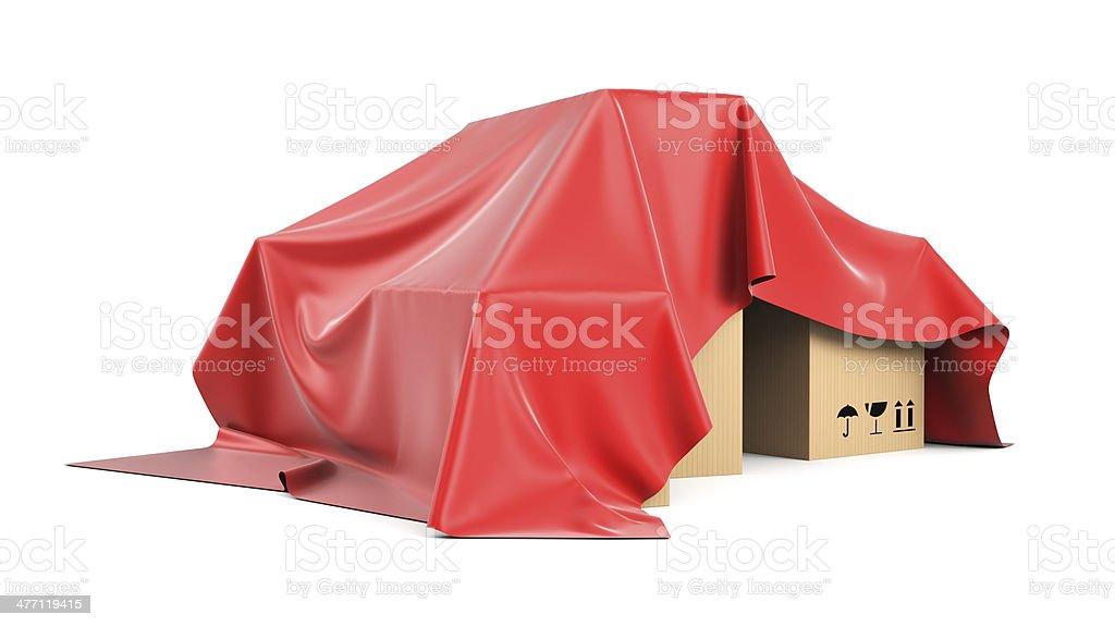 Kartons, die von oben eine rote Seide Stoff – Foto
