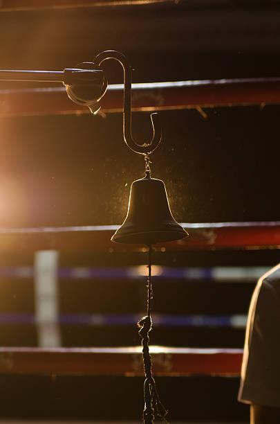 Campana de boxeo - foto de stock