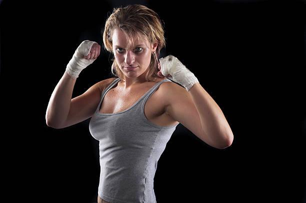 boxen mädchen - killer workouts stock-fotos und bilder