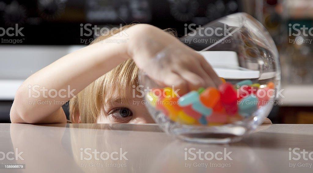 Niño y dulces - Foto de stock de Niño libre de derechos