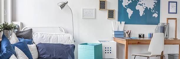 junge dream zimmer schön eingerichtet - schlafzimmer teenager stock-fotos und bilder