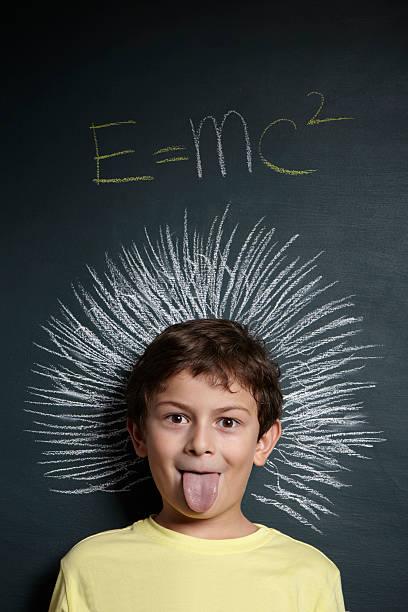 little genialidad - e=mc2 fotografías e imágenes de stock