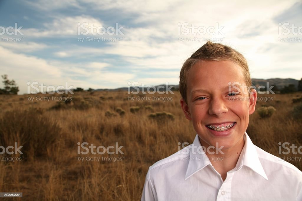 boy in field royalty free stockfoto