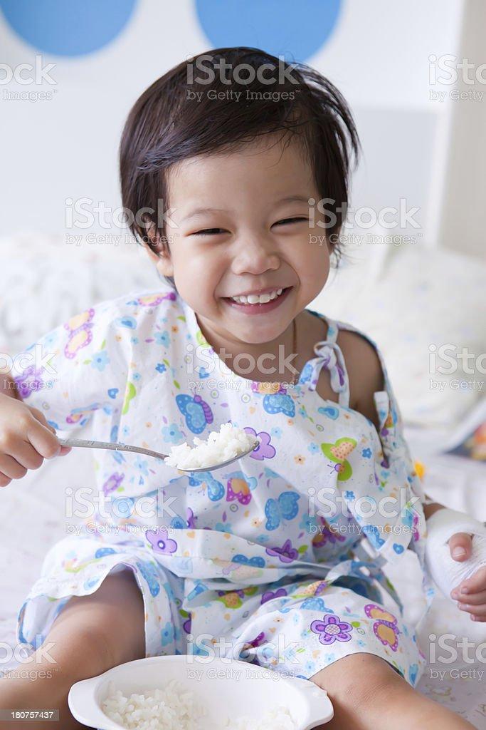 Junge im Krankenhaus – Foto