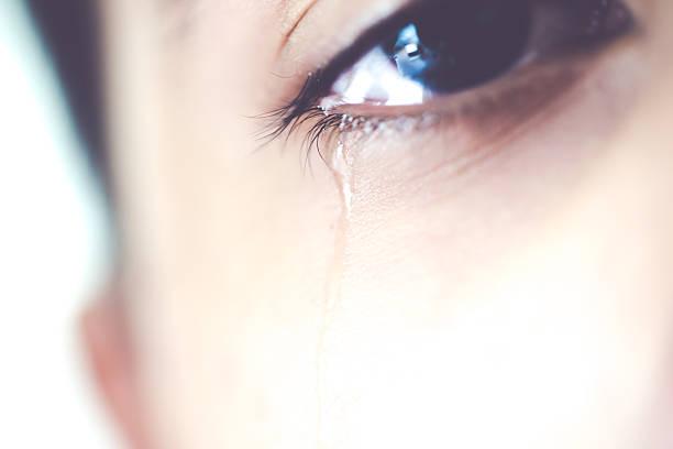 menino com lágrimas - imagens de lagrimas - fotografias e filmes do acervo