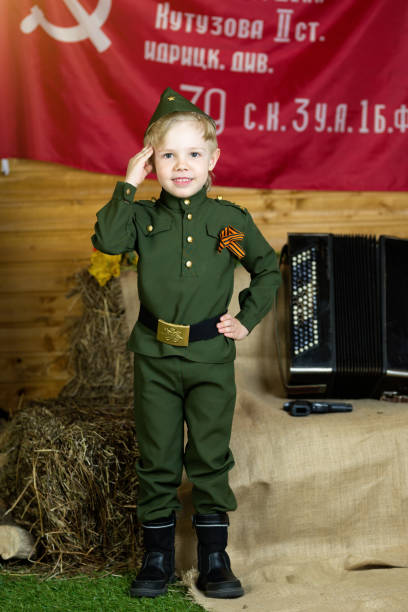 Junge in Uniform. am Feiertag 9. Mai, Russland – Foto