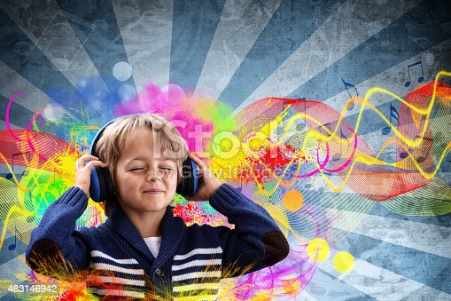 istock Boy listening to music 483146942