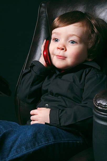 junge büro reden - kleinkind busy bags stock-fotos und bilder