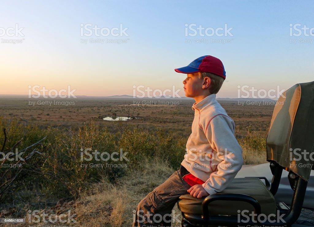 Junge auf safari – Foto
