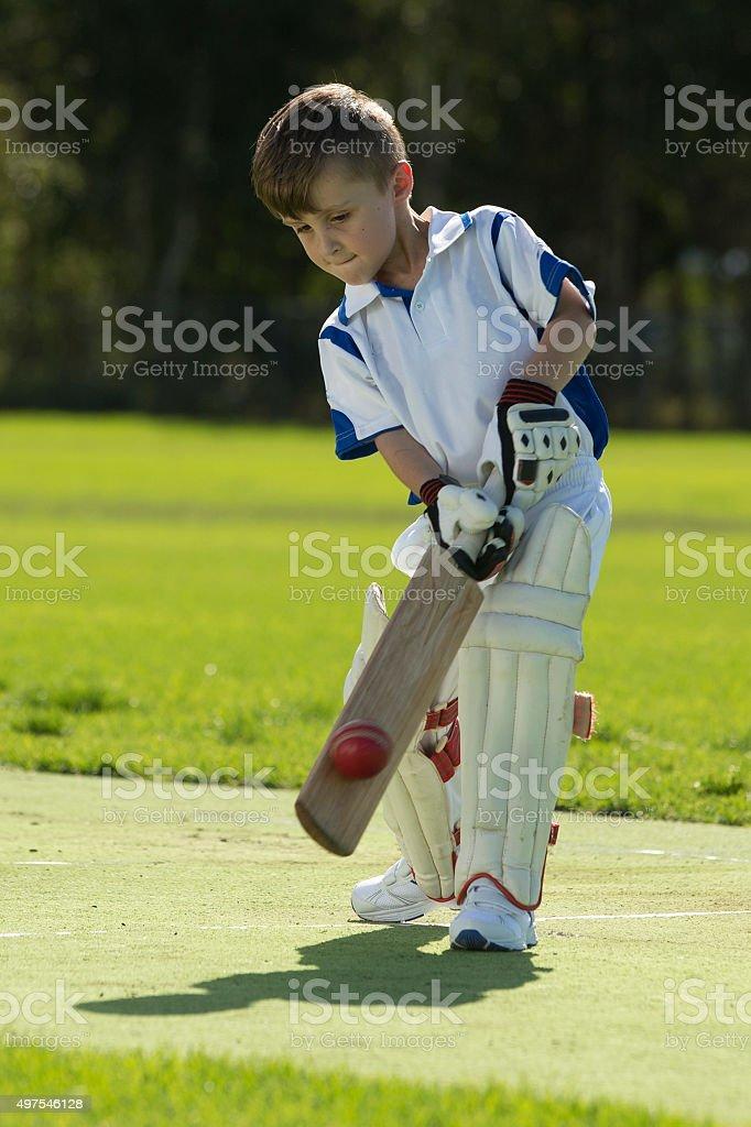 Jungen spielen Cricket – Foto