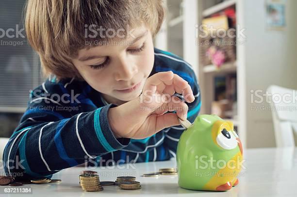 Boy saving money picture id637211384?b=1&k=6&m=637211384&s=612x612&h=f2m6bnxv26tkfls3swihzqgt9akjkgqemial  uthjq=
