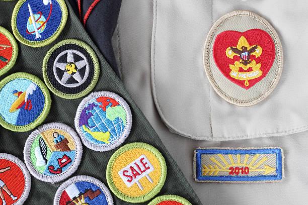 boy scout camisa, rango logarítmico placa, mérito tarjetas, flecha de luz - boy scout fotografías e imágenes de stock