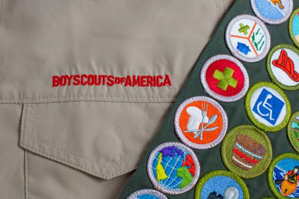 marco y el uniforme de boy scout - boy scout fotografías e imágenes de stock