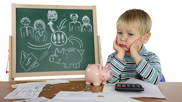 junge verkauft business plan - kindergeldantrag stock-fotos und bilder