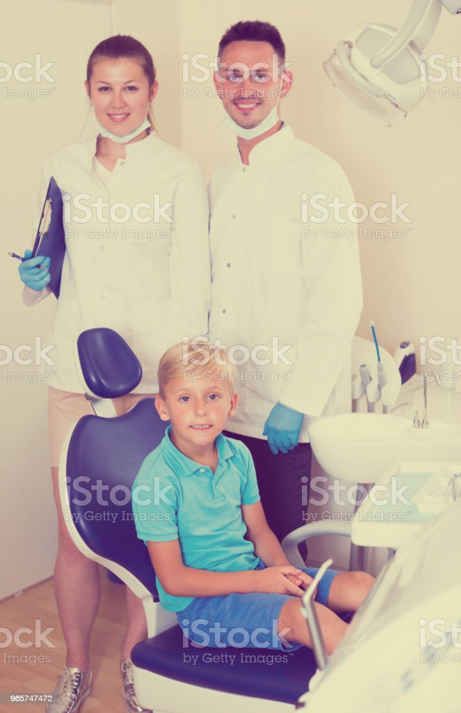 Boy visitor is satisfied - Royalty-free Adult Stock Photo