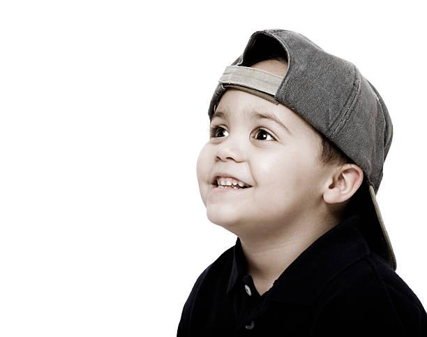 Junge mit Kappe – Foto