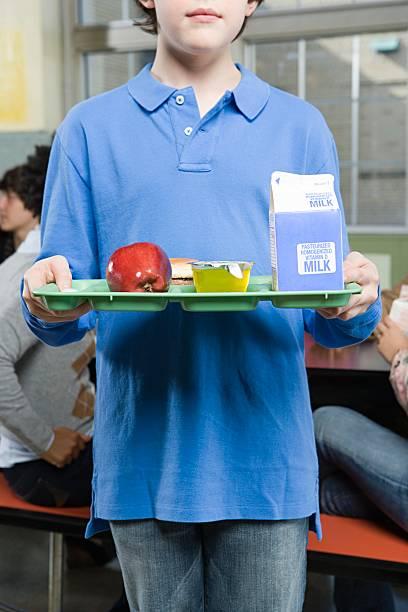 Garçon avec Plateau déjeuner - Photo