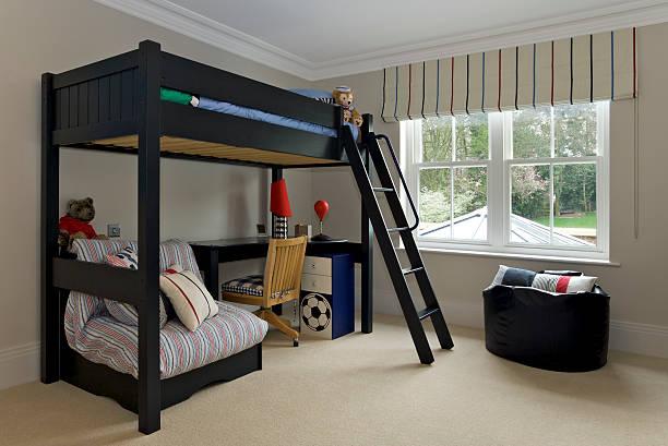 boy's schlafzimmer - etagenbett weiss stock-fotos und bilder