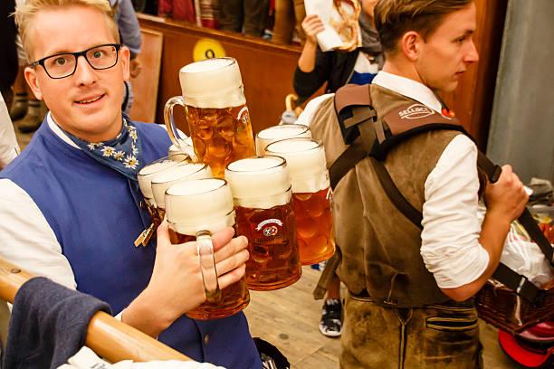 Braeurosl beim Oktoberfest in München, Deutschland, 2015 – Foto