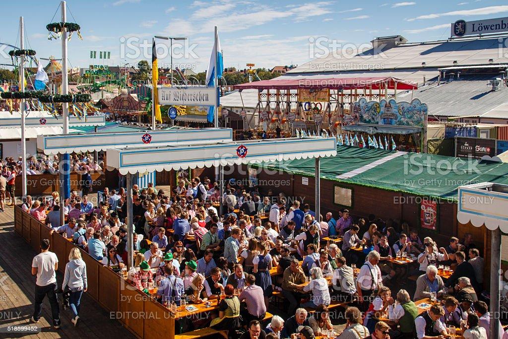 Braeurosl das Oktoberfest, der Biergarten in München, Deutschland, 2015 – Foto