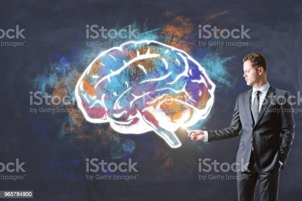 Мозг Буря И Финансовая Концепция — стоковые фотографии и другие картинки Анатомия