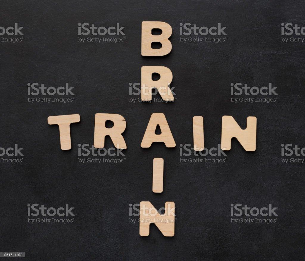 Cerebro De Tren Frase Sobre Fondo Negro Foto De Stock Y Más