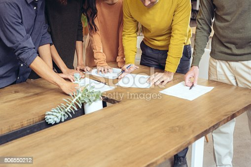 istock Brainstorming financial advice 806550212