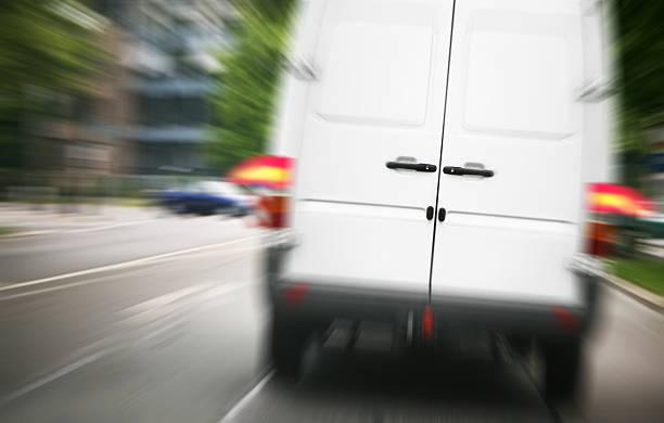 bremsen transporter - was bringt unglück stock-fotos und bilder