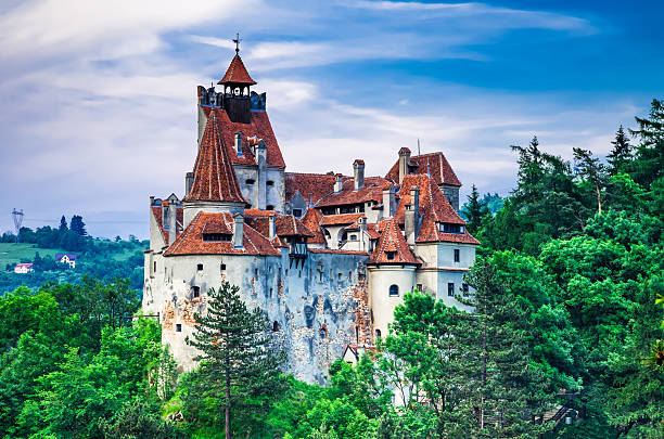château de bran, transylvanie, roumanie - roumanie photos et images de collection
