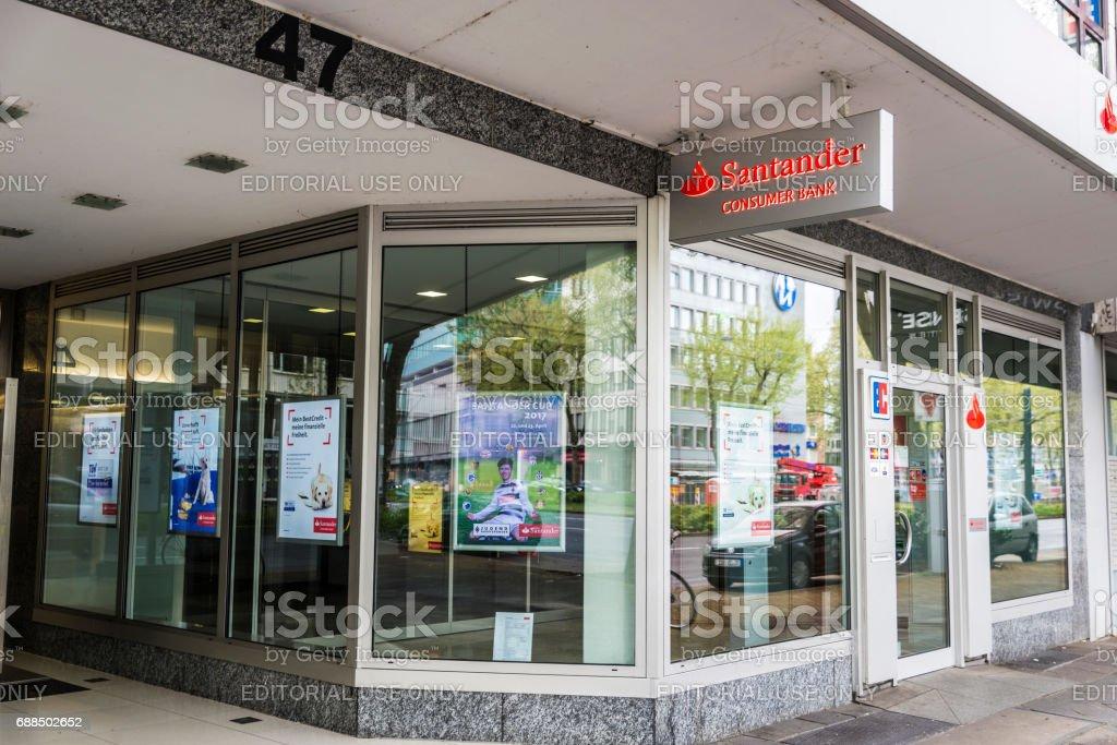 Sucursal del Banco Santander en Dusseldorf, Alemania - foto de stock